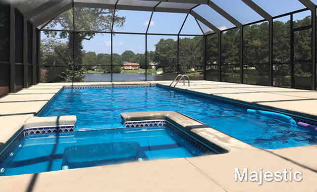 Pool with Spa: Majestic