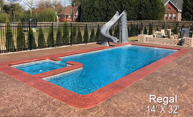 Pool with Spa: Regal